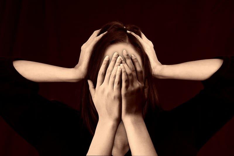 同棲相手の存在にストレスを感じやすい
