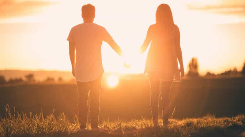 同棲を続けるべき?それとも結婚したほうがいい?