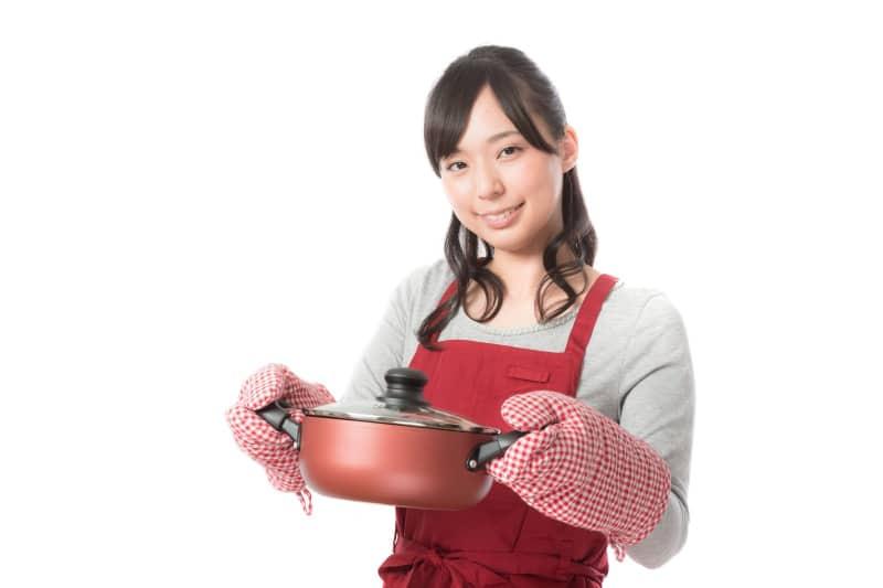 同棲生活で手料理を作りたい!必要最低限の調理器具をそろえよう